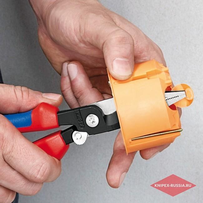 Многофункциональные клещи для электромонтажных работ KNIPEX KN-1396200TBK