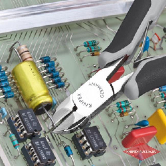 Кусачки боковые для электроники антистатические c запрессованным лезвием из твердых сплавов KNIPEX KN-7702120HESD