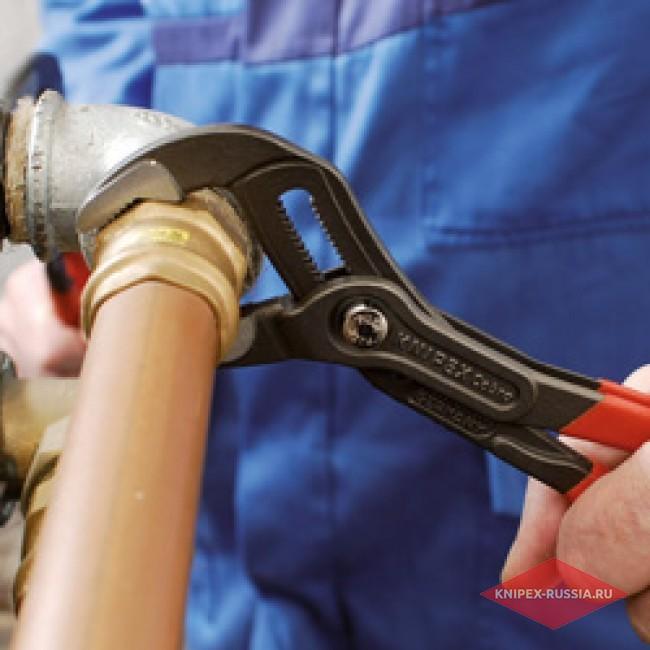 Высокотехнологичные сантехнические клещи Cobra® KNIPEX KN-8701125