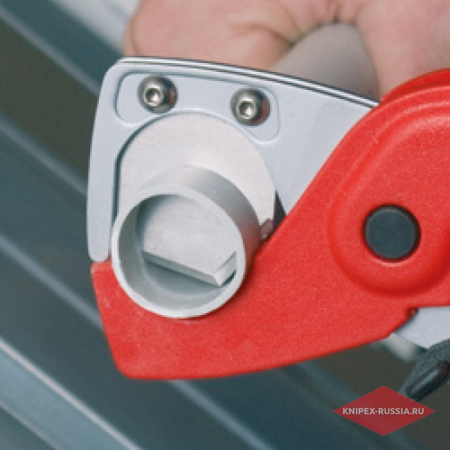 Труборез для шлангов и защитных труб KNIPEX KN-9020185